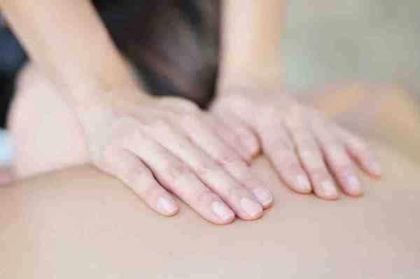 Traditional-Lomi-Lomi-Massage-Prayer-Aloha-Honua-Therapeutic-Massage-600